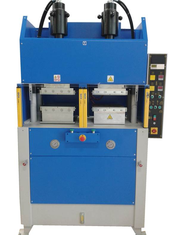 Presse de thermocompression modèle PV 40 pour la réalisation de tests et/ ou plaquettes de présentation