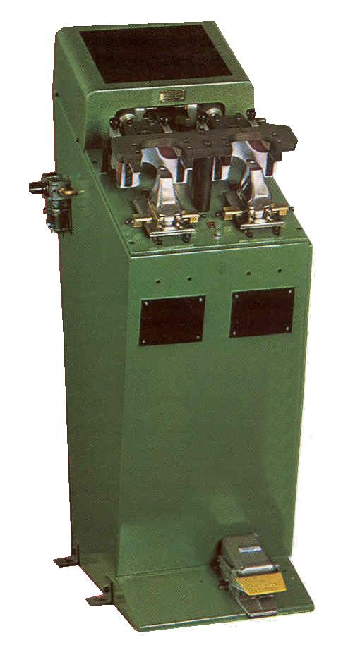 Poste de galbage KNEIPP pour la réactivation, le galbage et le montage KNEIPP