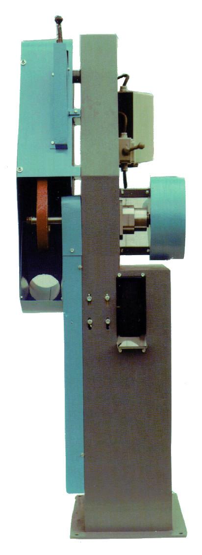 Cardeuse / verreuse / brosseuse en 33 mm dédié à l'industrie de la chaussure.